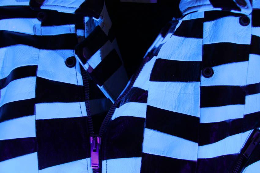 Black light project - Veste en cuir UV reactive traitée par Invenio Flory pour Saint Laurent