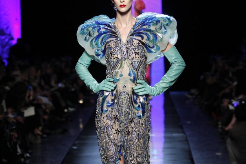 Papillons changeants - Broderie du défilé Haute Couture JPG créée par Invenio Flory pour Jean Paul Gaultier