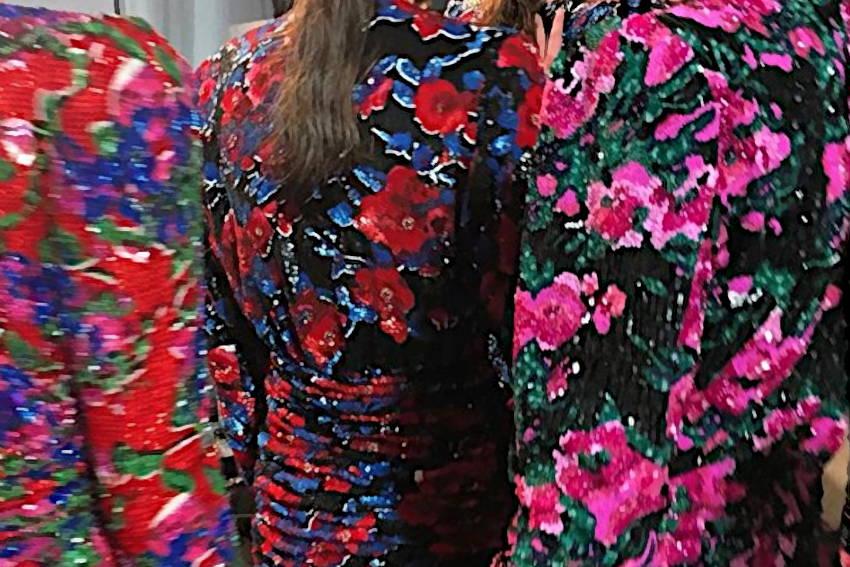 Pop Flowers - Broderie robes fleuries créée par Invenio Flory pour Saint Laurent