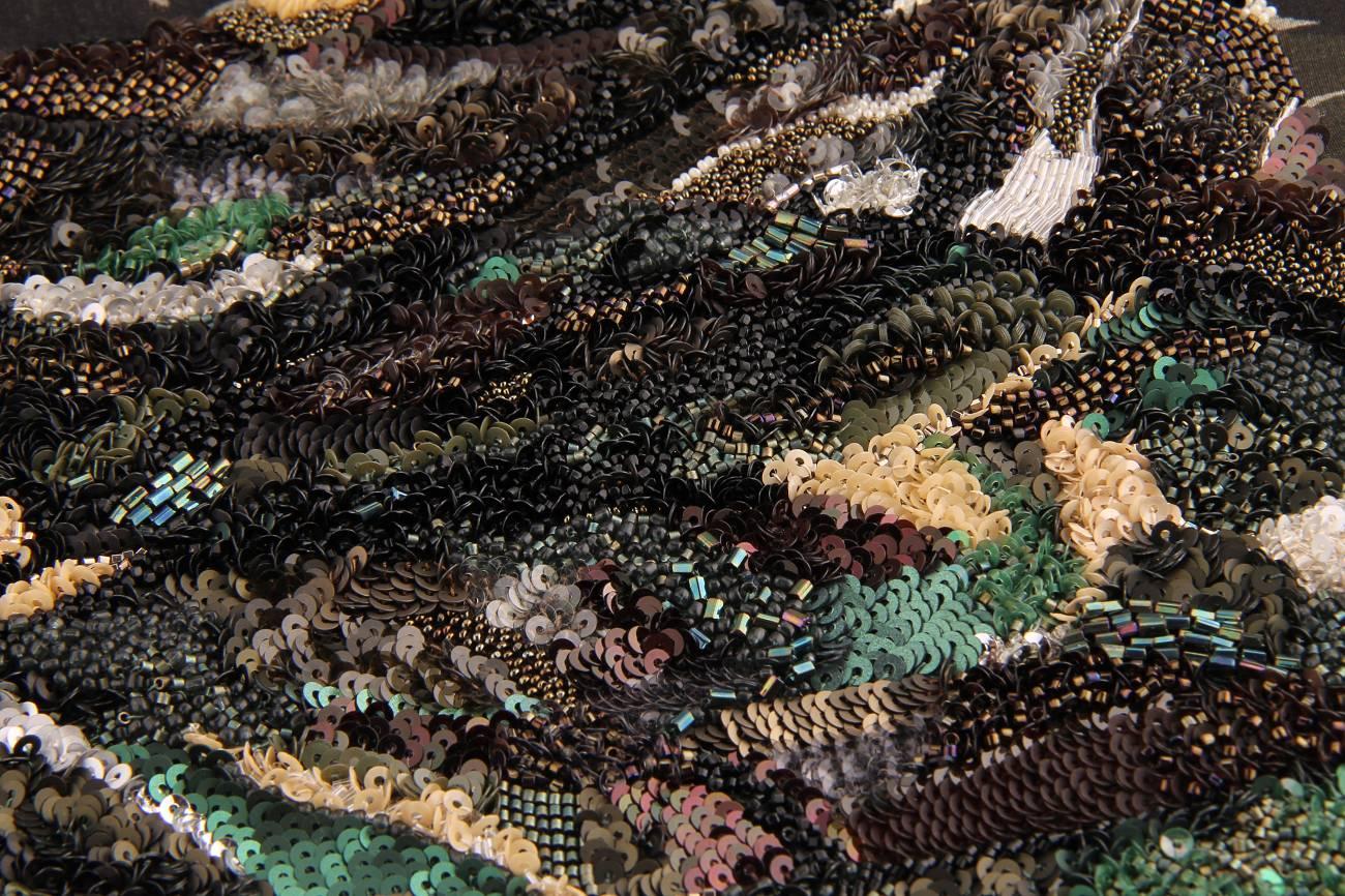Surface - Texture - Broderie texture tissu ancien créée par Invenio Flory pour Saint-Laurent