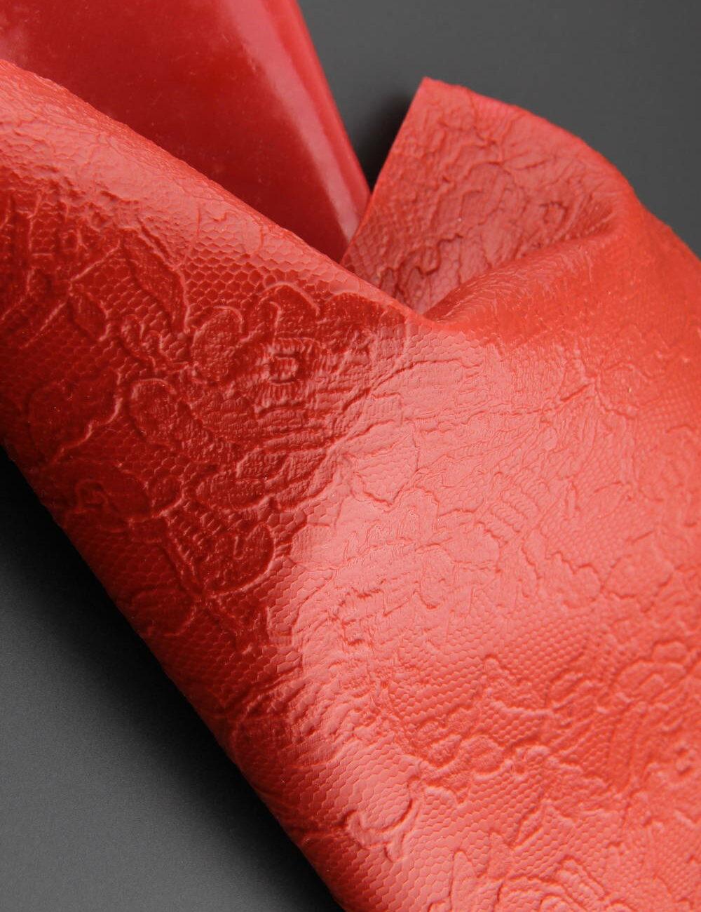 Textile Memory - Mémoire de dentelle silicone rouge - Invenio Flory