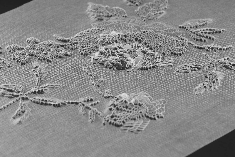 Textile Memory - Mémoire de tissu brodé transparent - Invenio Flory
